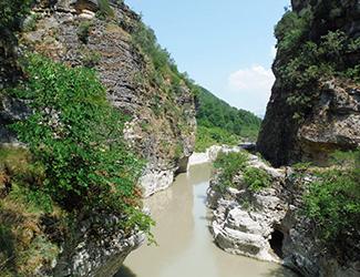 Kanionet, panorama befasues dhe fryme aventure